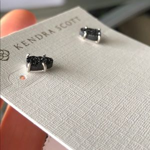 Kendra Scott Jewelry - NWT Kendra Scott Harriett Earrings